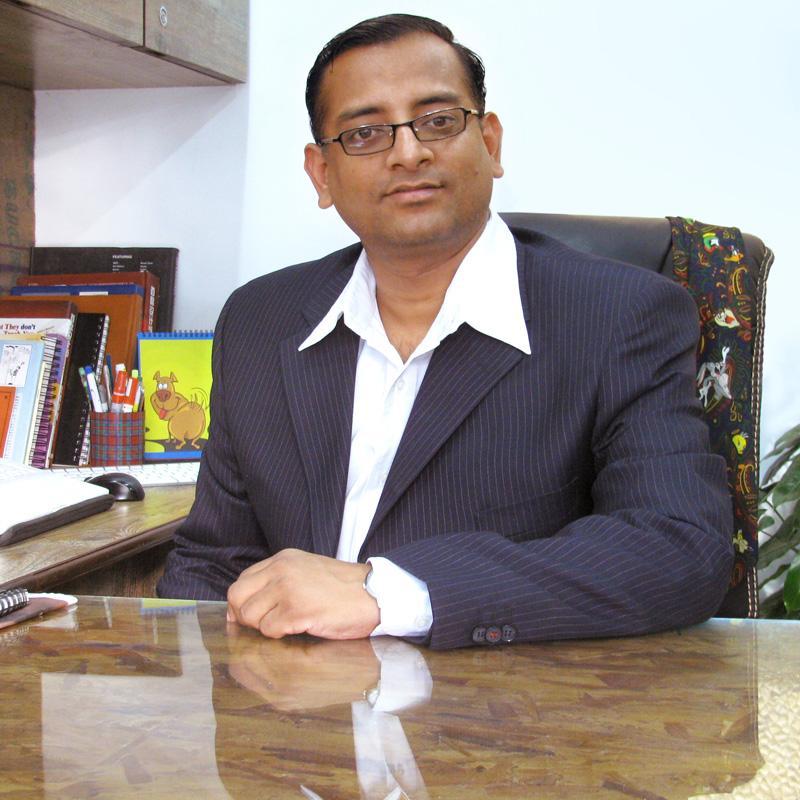 http://www.indiantelevision.com/sites/default/files/styles/smartcrop_800x800/public/images/tv-images/2016/10/12/Ravikant-Banka.jpg?itok=5AUX-SMc