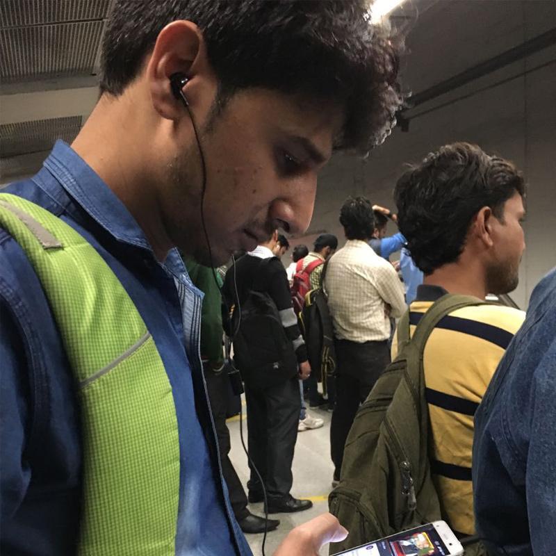 http://www.indiantelevision.com/sites/default/files/styles/smartcrop_800x800/public/images/tv-images/2016/11/21/smartphone-800x800.jpg?itok=M-PaefQ0