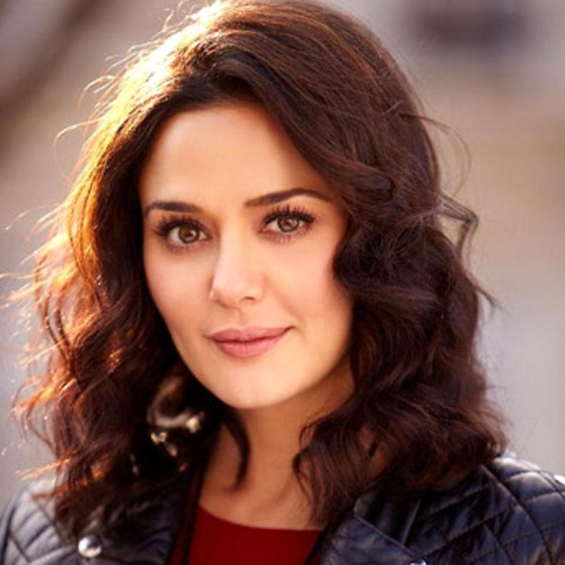 http://www.indiantelevision.com/sites/default/files/styles/smartcrop_800x800/public/images/tv-images/2016/12/08/preity%20zinta.jpg?itok=a5oR52Xr