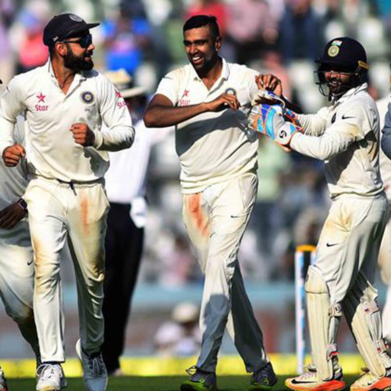 http://www.indiantelevision.com/sites/default/files/styles/smartcrop_800x800/public/images/tv-images/2016/12/28/India-England.jpg?itok=5zp8_ToC