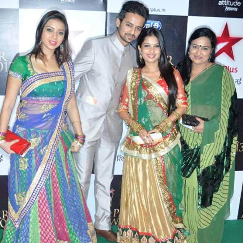 Stars light up Star Parivaar Awards 2013 | Indian Television