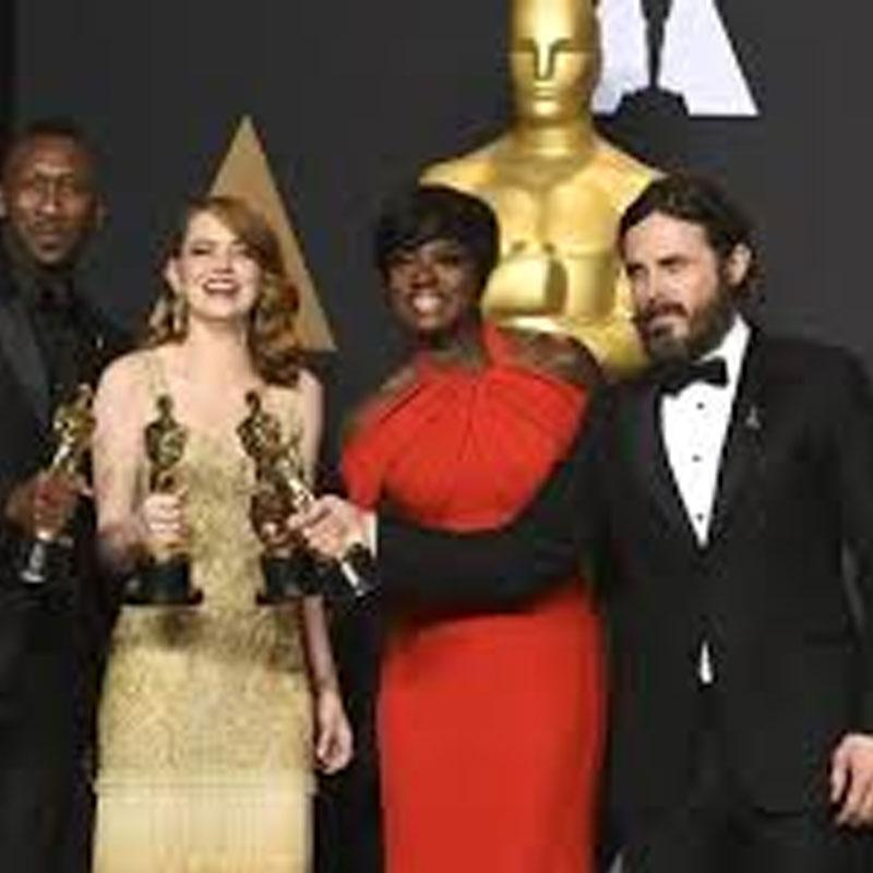 http://www.indiantelevision.com/sites/default/files/styles/smartcrop_800x800/public/images/tv-images/2017/09/18/oscars.jpg?itok=Q6nY7NBv