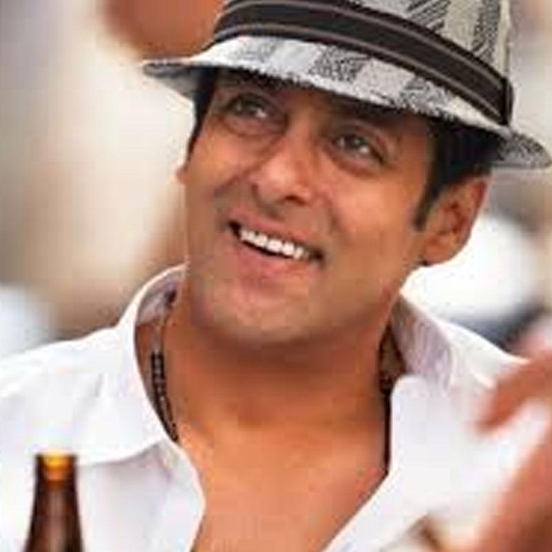 http://www.indiantelevision.com/sites/default/files/styles/smartcrop_800x800/public/images/tv-images/2017/11/01/salman.jpg?itok=y-mKUSaW