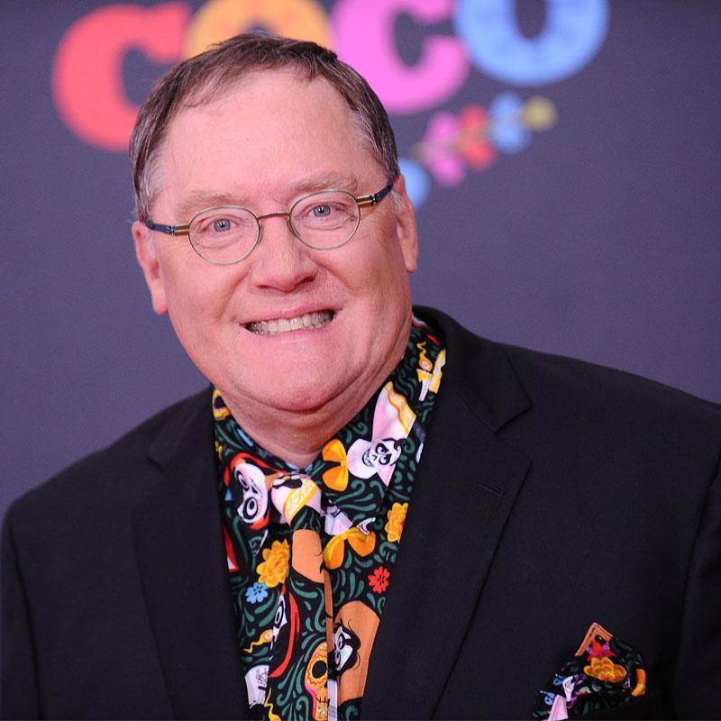 https://www.indiantelevision.com/sites/default/files/styles/smartcrop_800x800/public/images/tv-images/2017/11/23/John_Lasseter.jpg?itok=6qCcLUZT