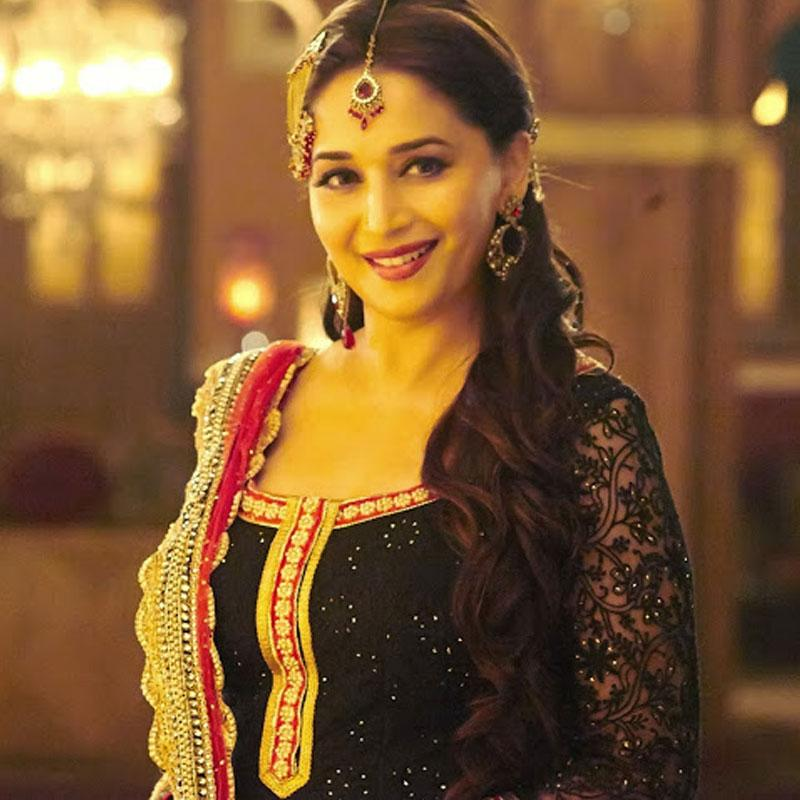 http://www.indiantelevision.com/sites/default/files/styles/smartcrop_800x800/public/images/tv-images/2017/11/27/madhuri.jpg?itok=mw_zrwmo