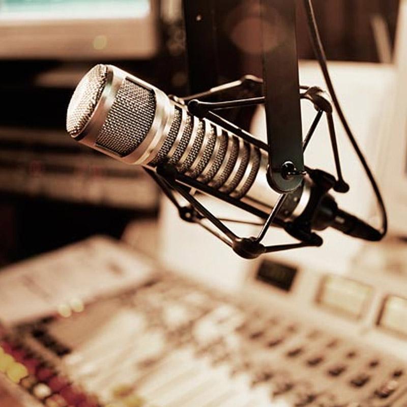 http://www.indiantelevision.com/sites/default/files/styles/smartcrop_800x800/public/images/tv-images/2017/12/09/Radio%20Broadcaster.jpg?itok=85Va57pz