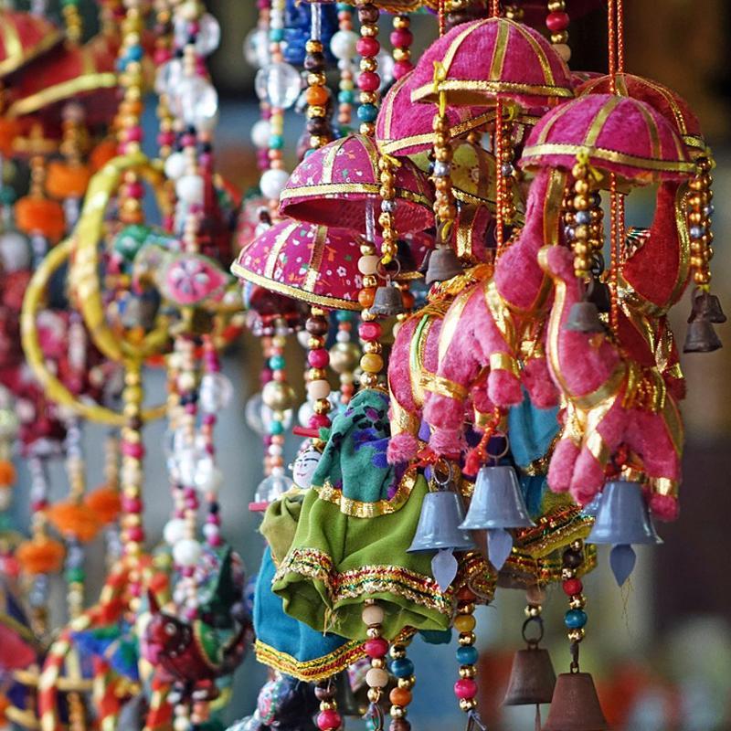 https://www.indiantelevision.com/sites/default/files/styles/smartcrop_800x800/public/images/tv-images/2017/12/11/Festival-Bharat_0.jpg?itok=AgNN5-u6
