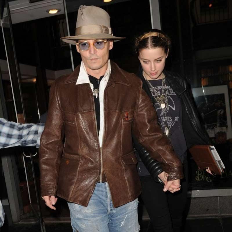 http://www.indiantelevision.com/sites/default/files/styles/smartcrop_800x800/public/images/tv-images/2017/12/15/Johnny-Depp.jpg?itok=l0xYWDOU
