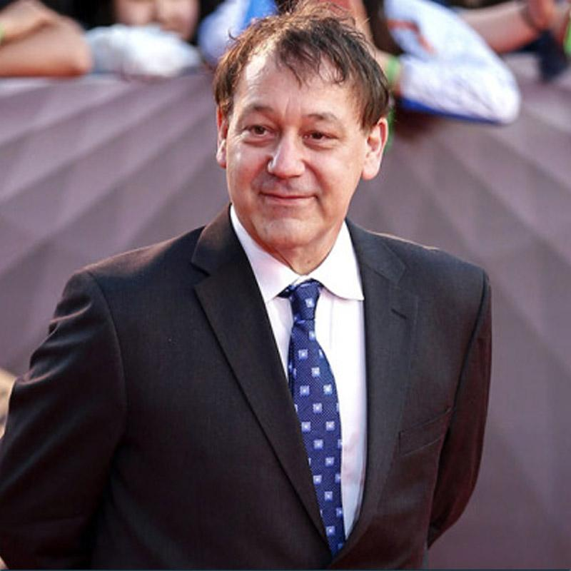 http://www.indiantelevision.com/sites/default/files/styles/smartcrop_800x800/public/images/tv-images/2017/12/21/Sam-Raimi.jpg?itok=ZJh5LwI_