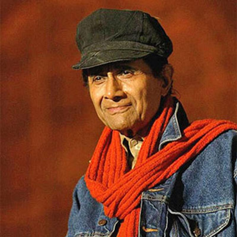 http://www.indiantelevision.com/sites/default/files/styles/smartcrop_800x800/public/images/tv-images/2018/02/28/Dev-Anand.jpg?itok=IuAF3CCP
