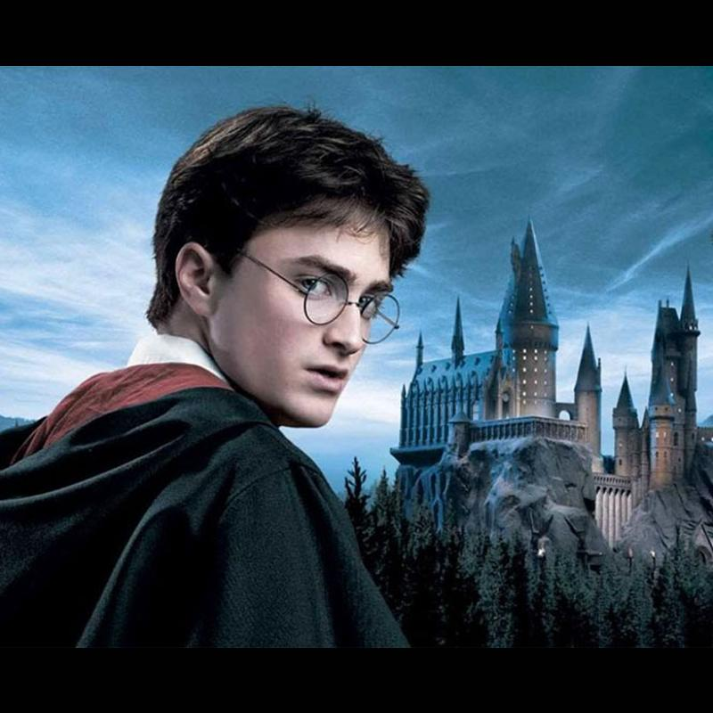 http://www.indiantelevision.com/sites/default/files/styles/smartcrop_800x800/public/images/tv-images/2018/03/22/Harry%20Potter.jpg?itok=8X5cKe0n