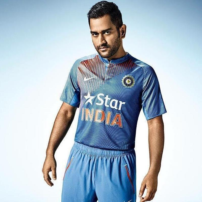 http://www.indiantelevision.com/sites/default/files/styles/smartcrop_800x800/public/images/tv-images/2018/04/09/M%20S%20Dhoni.jpg?itok=Hh8SyFN3