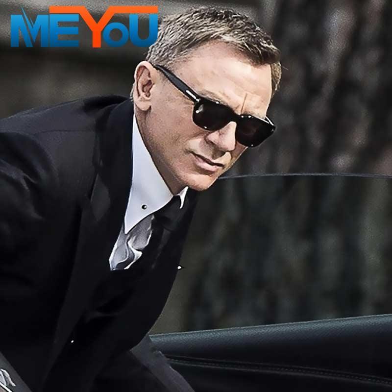 https://www.indiantelevision.com/sites/default/files/styles/smartcrop_800x800/public/images/tv-images/2018/04/30/James-Bond.jpg?itok=6vthzy8m