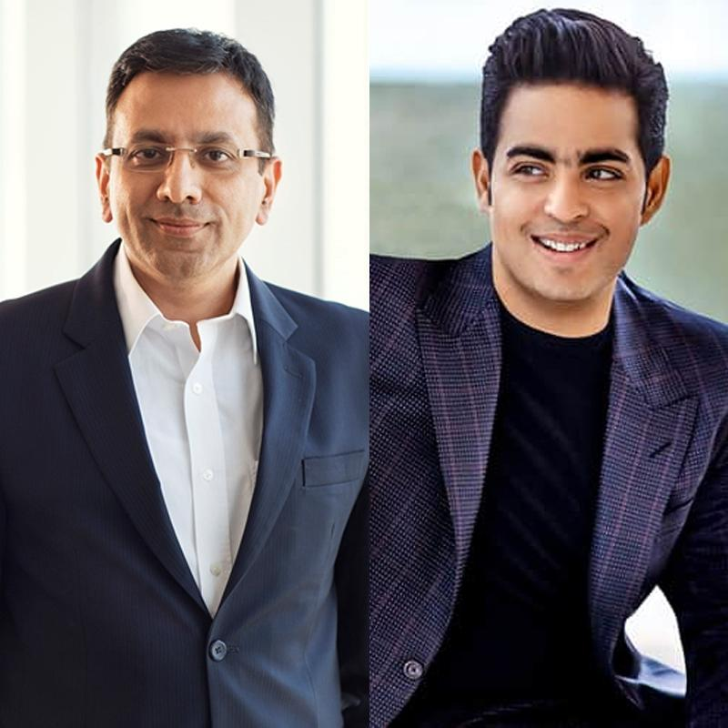https://www.indiantelevision.com/sites/default/files/styles/smartcrop_800x800/public/images/tv-images/2018/09/22/Akash_Ambani-Sanjay_Gupta.jpg?itok=fxkYWjeT