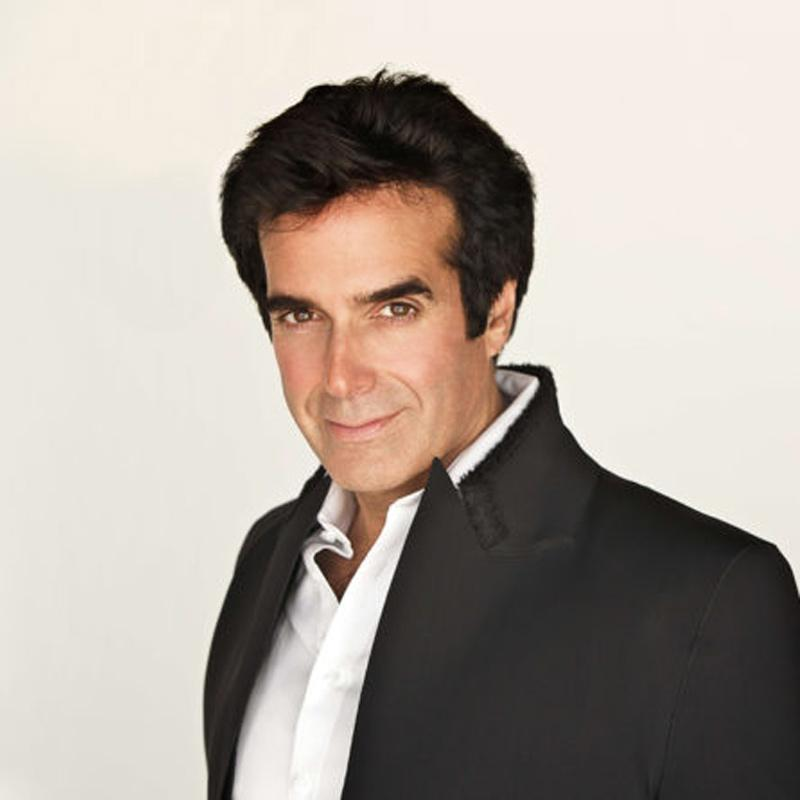 http://www.indiantelevision.com/sites/default/files/styles/smartcrop_800x800/public/images/tv-images/2018/10/10/David-Copperfield.jpg?itok=vq4Oa_1M