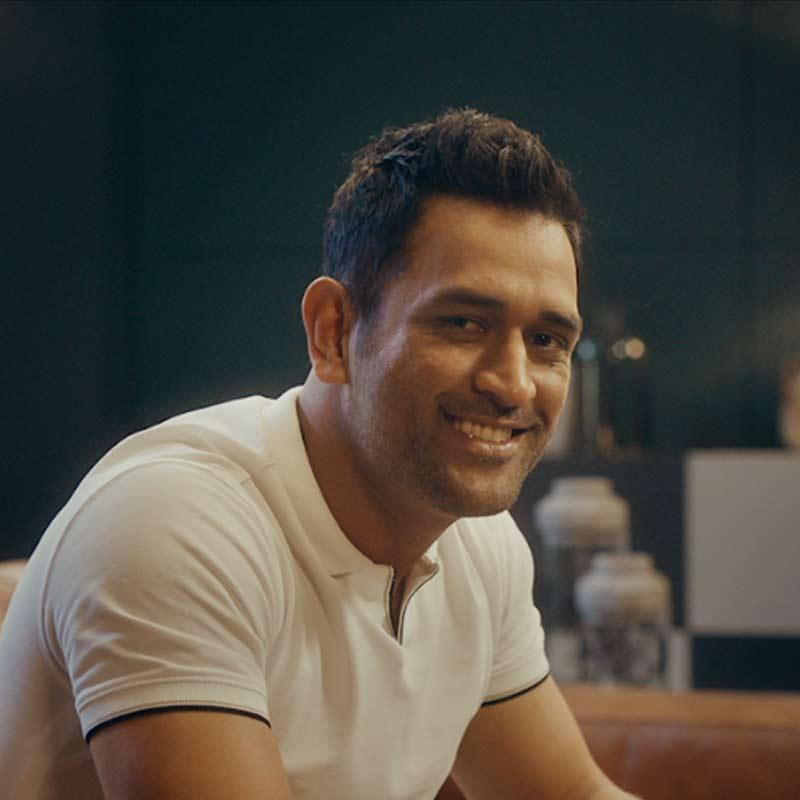https://www.indiantelevision.com/sites/default/files/styles/smartcrop_800x800/public/images/tv-images/2018/11/21/dhoni.jpg?itok=XesQqdB3