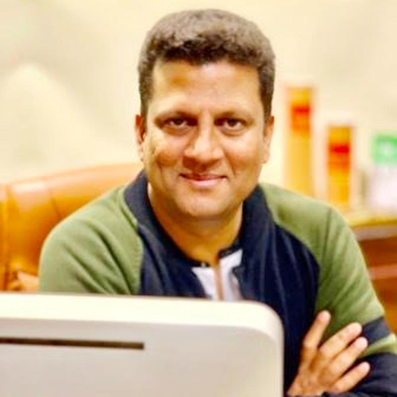 https://www.indiantelevision.com/sites/default/files/styles/smartcrop_800x800/public/images/tv-images/2019/06/08/siraz_khan.jpg?itok=lu6Ks-yT