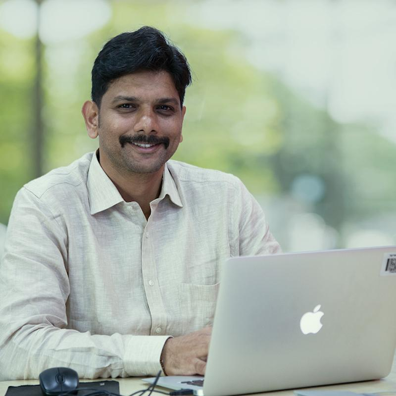 https://www.indiantelevision.com/sites/default/files/styles/smartcrop_800x800/public/images/tv-images/2020/01/18/Anirudha_Khopade.jpg?itok=g3piLv03