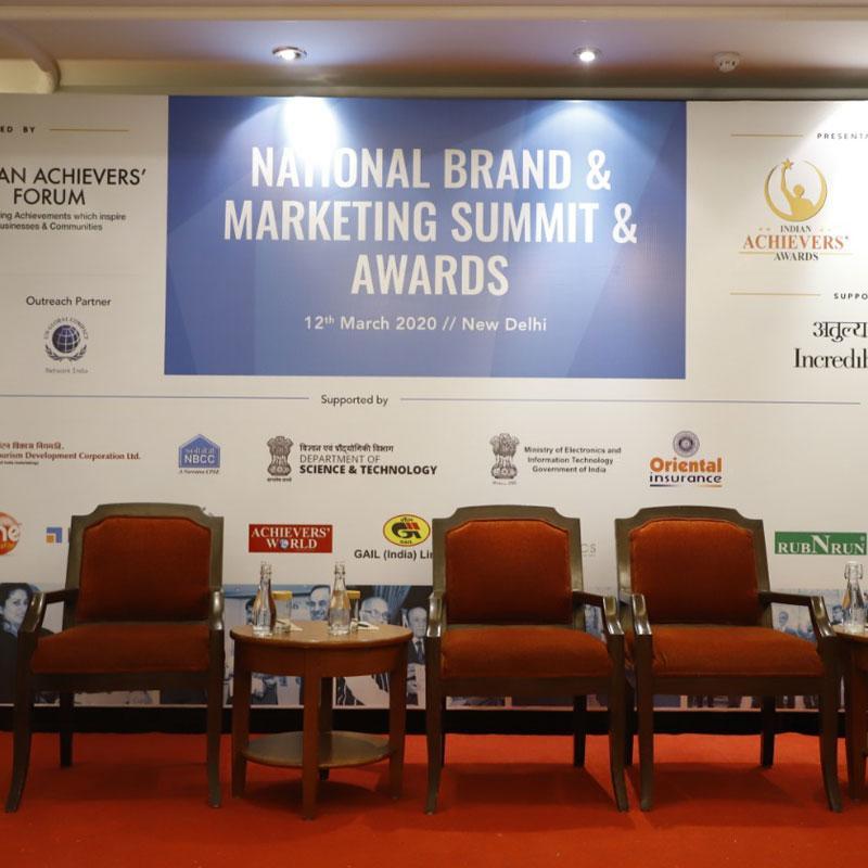 https://www.indiantelevision.com/sites/default/files/styles/smartcrop_800x800/public/images/tv-images/2020/03/17/awards.jpg?itok=Y6QiHCBX