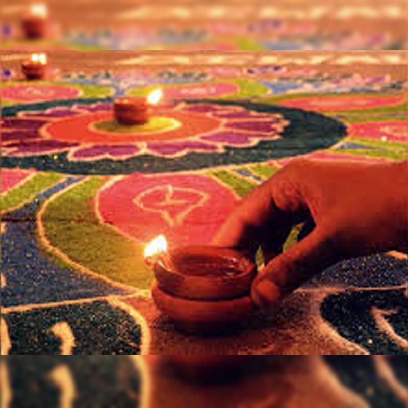 https://www.indiantelevision.com/sites/default/files/styles/smartcrop_800x800/public/images/tv-images/2020/11/12/diwali.jpg?itok=2ejD93Z_