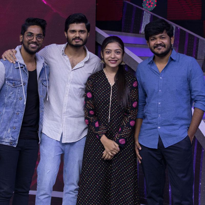 https://www.indiantelevision.com/sites/default/files/styles/smartcrop_800x800/public/images/tv-images/2020/12/29/zee.jpg?itok=6nWhDSUf