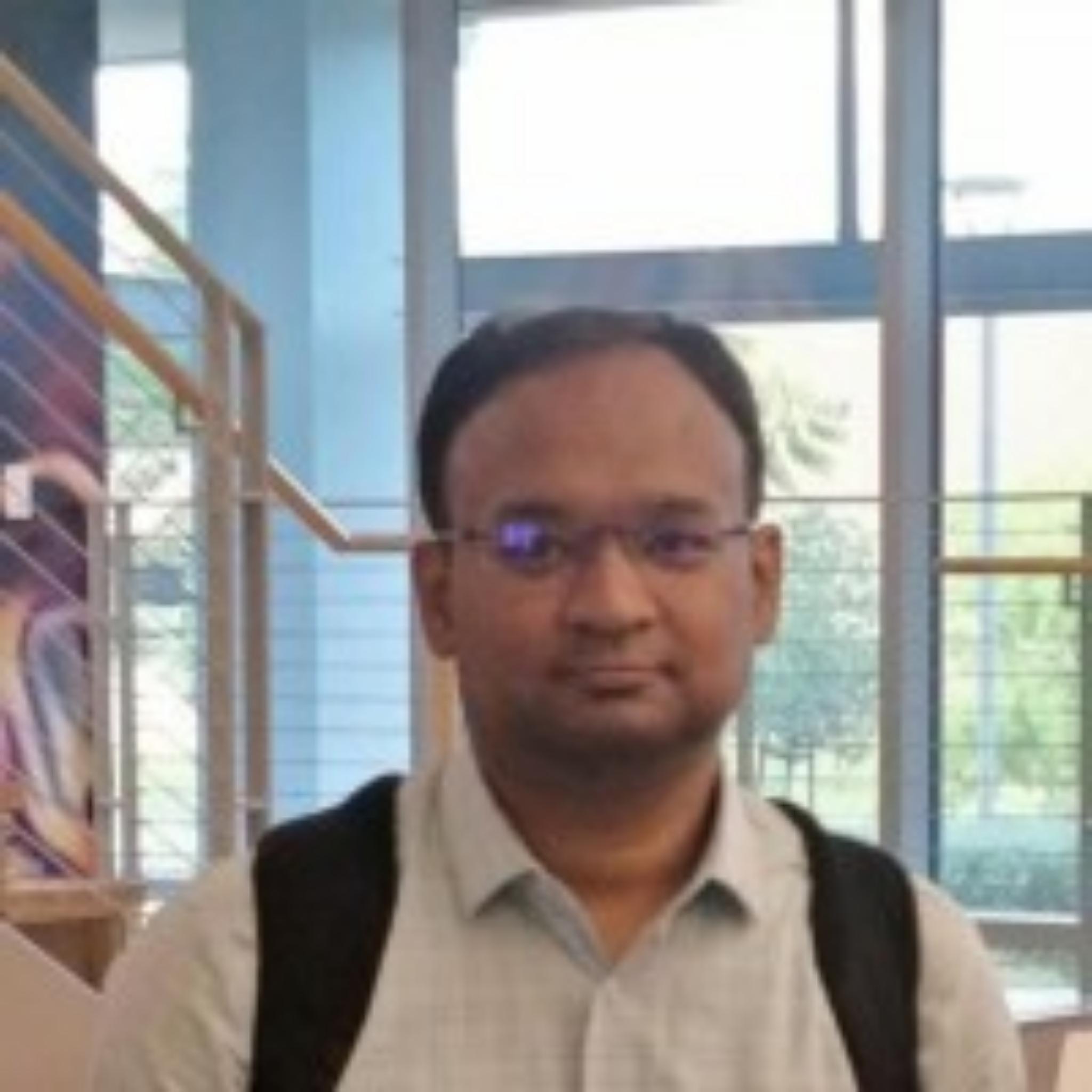 https://www.indiantelevision.com/sites/default/files/styles/smartcrop_800x800/public/images/tv-images/2021/07/07/photogrid_plus_1625637445148.jpg?itok=92LJEdOb
